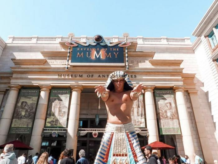 Universal Studios Sets Opening for First Theme Park in China