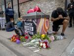 Swift firings for Minneapolis Officers in Death of Black Man