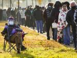 As Pandemic Worsens, Most US States Resist Restrictions