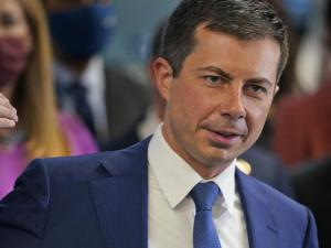 Buttigieg Cheers Spaceflight, Says He'd Go 'in a Heartbeat'